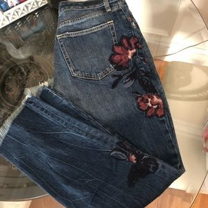 Abercrombie embroidered boyfriend fit jeans